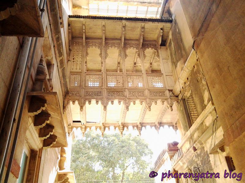 laxmi vilas palace outside
