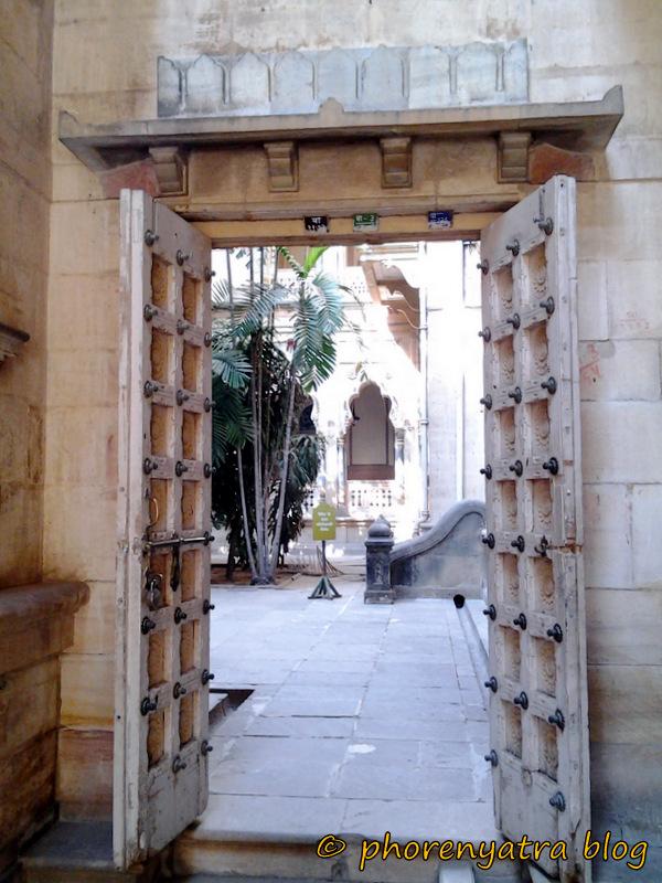 laxmi vilas palace entrance