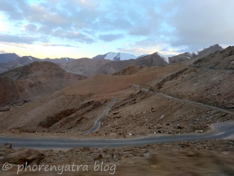 morning drive to khardungla