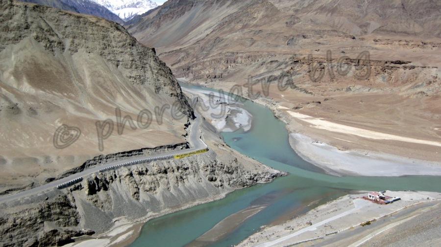 confluence of Indus and Zanskar