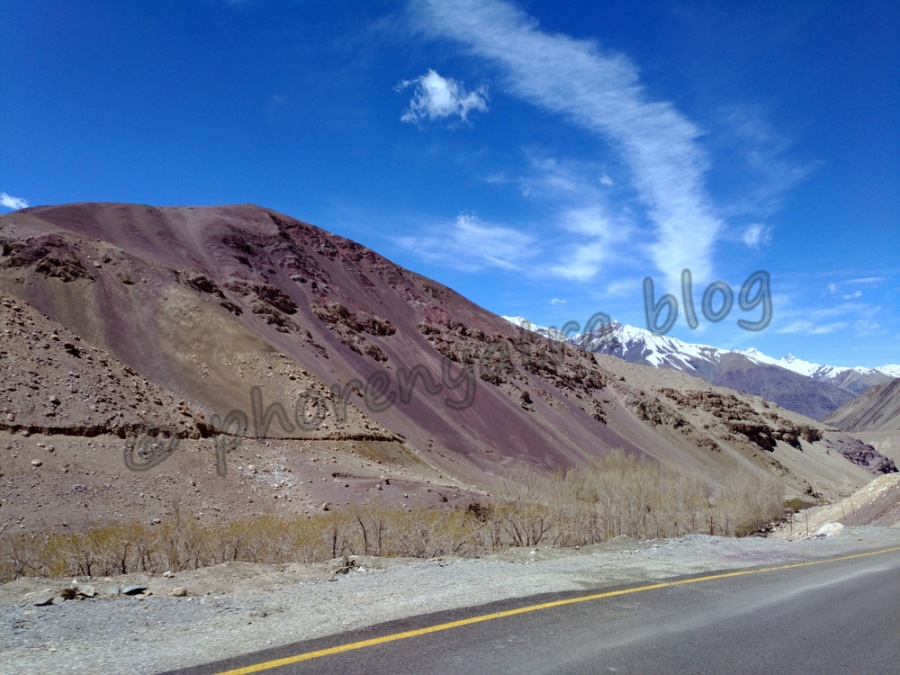 purple mountains en route to Lamayuru
