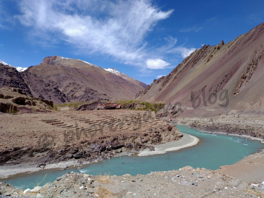 fantastic bend of the Indus