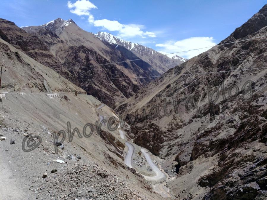 hilly roads near Lamayuru